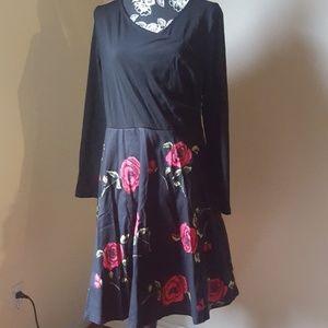 Yeslife 💙Black Floral Long Sleeve Dress